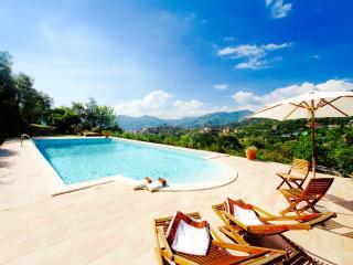 ADAMO 2BR-pool terrace view Zoagli by KlabHouse