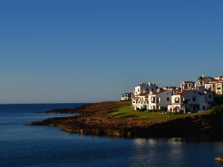 Apartamento en MENORCA con terraza y vistas al mar, Fornells
