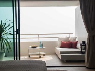 Amazing Beachfront Resort Studio 10