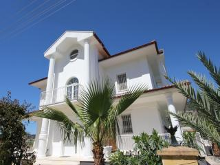 Villa Krisby - Fabulous Luxury 4 bed detached villa - Dalyan