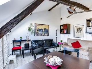 Two bedroom apartment at Porte Maillot, Neuilly-sur-Seine