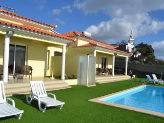Casa Isabel Loreto Cottages, Pool with sea views., Arco da Calheta