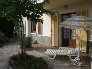 Bas de Villa Ombragee avec terrasse