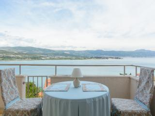 Seaview apartment in Trogir