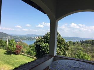 Villa Vista lago stile country vicino ad Arona