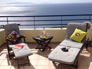 Atlantic View - Penthouse with Sea Views+Free Wifi, Caniço