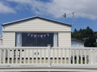 Seaview Caravan 6 berth 2 bedrooms.