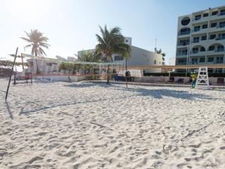HOTEL ZONE BEACHFRONT CANCUN STUDIO #214