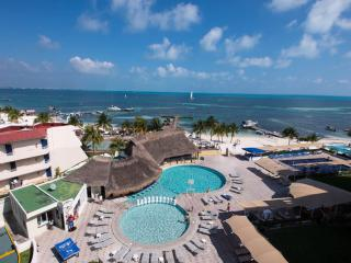 HOTEL ZONE BEACHFRONT CANCUN STUDIO #213