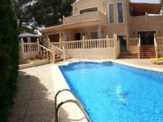 6 bedroom detached villa with large private pool, Alicante