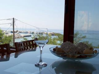 Comfortable Apartment - Sea View, Nea Skioni