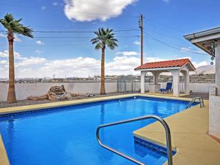 Wonderful Spanish Style 2BR Lake Havasu House w/WiFi & Amazing Private Pool – Ideal Central Location! Fantastic Views of Lake Havasu and the Colorado River!