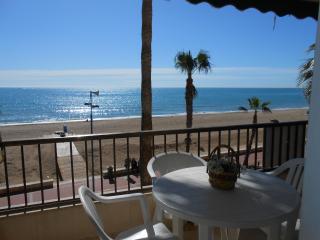 (ref 75) Apartamento en 1ª línea con vistas al mar y con parking privado, Peñíscola