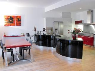 Apartment Rouge vacation holiday apartment rental france, paris, 8th