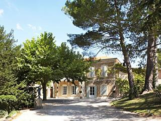 Lambesc Manor Villa in Provence for holiday rentals, holiday villa to let in