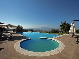 Villa Cappelli holiday vacation large villa rental italy, tuscany, near siena, p