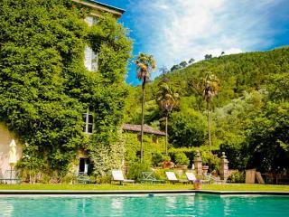Villa Lorenzo Estate villa rental Vorno lucca tuscany italy