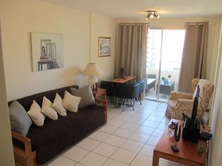 Apartamento acogedor frente a Hotel Conrad, playa, Punta del Este