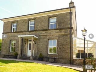 Stoneridge Holiday Let Sleeps 9 (Dogs Allowed), Buxton