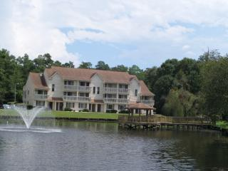 Vacation affordable rentals on golf course, Myrtle Beach