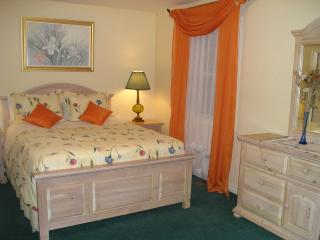 Great PINE SUITE at SUSAN´S VILLA, Hotel Garni,B&B, Chutes du Niagara