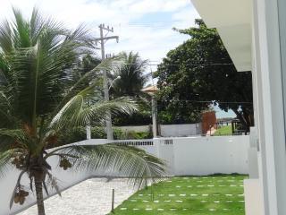 Village em Jauá, 3/4, 50m da praia, Camacari