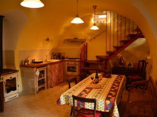 Casa di campagna accogliente/schick di Casa Rossa, Fontecchio