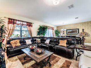 Champions Gate Resort - 9Bed/5Bath Pool House - Sleeps 19 - Platinum, Davenport