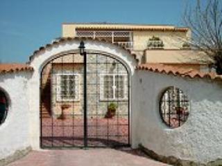 Villa Elia / appartamento Tulipano, Fontane Bianche