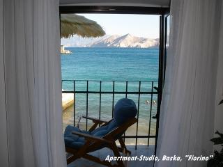 Apartment-Studio Baska 'Fiorino'