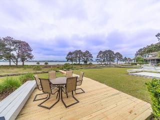Lands End 19, 3 Bedrooms, Ocean Front, Sea Pines, Large Deck, Sleeps 6, Hilton Head