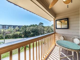 Beach & Tennis A346, 1 Bedroom, Limited Ocean View, Large Pool, Sleeps 4, Hilton Head