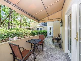 Evian 284, 2 Bedrooms, Wonderful Views, Large Pool, Sleeps 5, Hilton Head