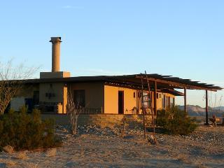 ADOBE - Joshua Desert Retreats, Twentynine Palms