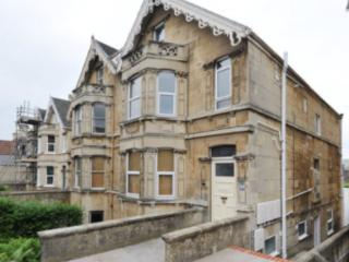 Trendy Victorian Ground Floor Flat, Bath