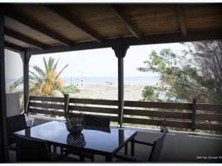 Villa Eva, luxury villa 50 meters from the sea., Gouves