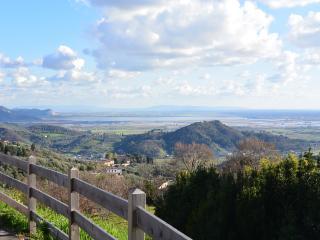 Casa indipendente in zona collinare con vista mare, Camaiore