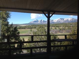 Hideout 2BR Cabin, Monticello