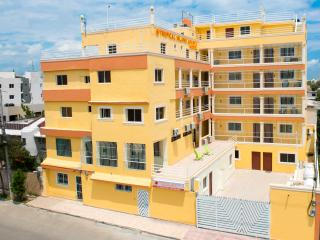 Short or Extended Stay 2 Bedroom Apartment - Free Premium Wi-Fi