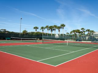 St Aug Ocean and Racquet 3203