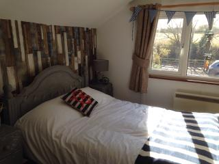 Beautiful studio apartment+use of hot tub and wifi, Topsham