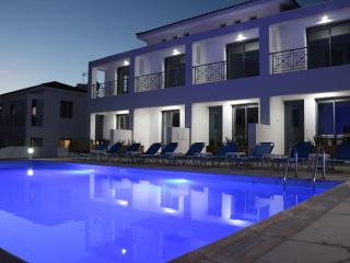 2 B/R Maisonettes Near The Beach!, Pafos