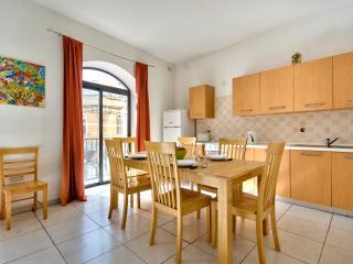 Super Central 3 bedroom Apartment (Maz3), Saint Julian's