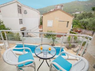 Apartments Fortunella-One Bedroom Ap with Balcony9