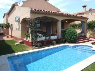 Villa Andres con piscina y Aire acondicionado, Miami Platja