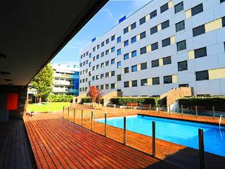 luxury apartment in barcelona with pool&solarium, Esplugues de Llobregat