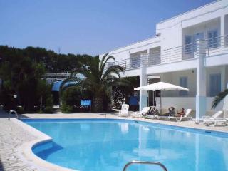 residence con piscina MIlo's