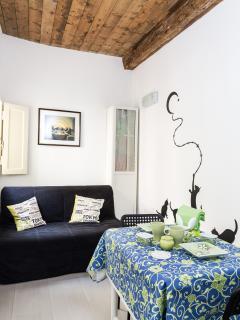 Living Room with sofa bed - Sala da pranzo con divano letto