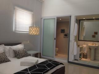 9B The Cube Executive Self-Catering Apartments