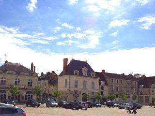 Historisches Stadthaus im Herzen von Richelieu